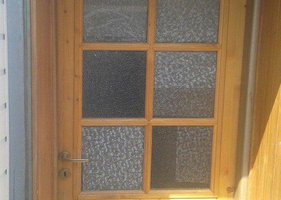 Výměna skel střešního světlíku a zasklení skel ve dveřích